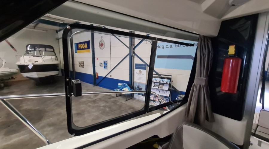 Bomvolle Jeanneau Merry Fisher 605 DEMO uit 2019!
